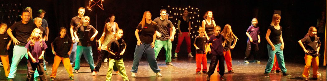 Dancing-Christmas-2016_Streetdance-3.jpg